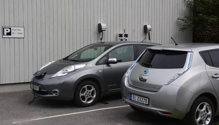 mobil lader til el bil