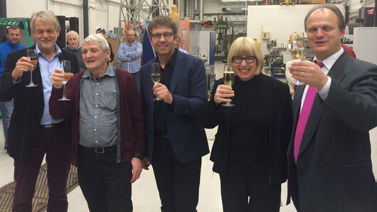 From the left: Vice-rector of research, teaching and innovation Dag Gjerløw Aasland, Alf Holmelid, Rein Terje Thorstensen, rector Torunn Lauvdal og dean Frank Reichert.