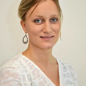 "Elisabeth Holen-Rabbersvik disputerer for ph.d.-graden med avhandlingen ""Inter-municipal cooperation in health care services: coping with the wickedness?"" tirsdag 5. november 2019."