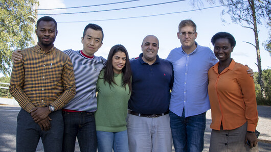 Photo of Prince Baah-Peprah, Liang Zhao, Amy Ann Vik, Rotem Shneor, Daniel Berliner and Priscilla Serwaah.